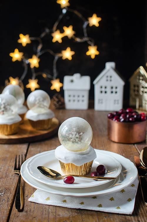 snow-globe-cupcakes-8