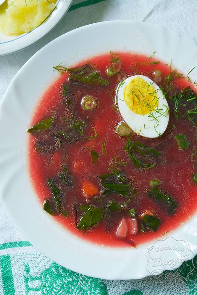 Botwinka - przepis na zupę z młodych buraczków